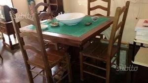 Tavolo e quattro sedie legno massello