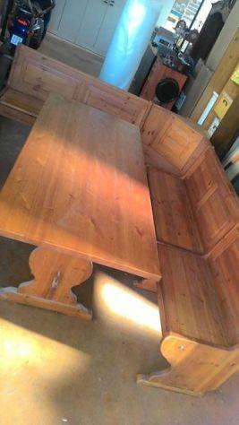 Tavolo con giro-panca