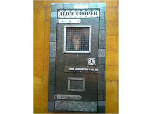 Alice Cooper life and crimes