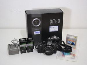 Olympus E-M10 II +  EZ pancake + accessori