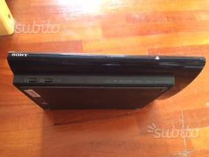 PS3 nera slim completa di 2 pad