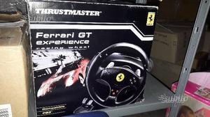 Pedaliera e volante Thrustmaster