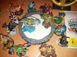 WII skylanders con base e 15 personaggi