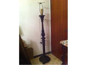 Lampada da terra '800 in legno,stile Rinascimento