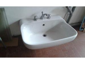 Lavandino da bagno classico