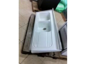 Lavatoio in ceramica usato