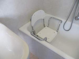 Offro vasca da bagno con porta per anziani o posot class - Seggiolino per vasca da bagno ...
