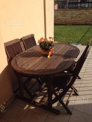 Tavole e sedie da giardino
