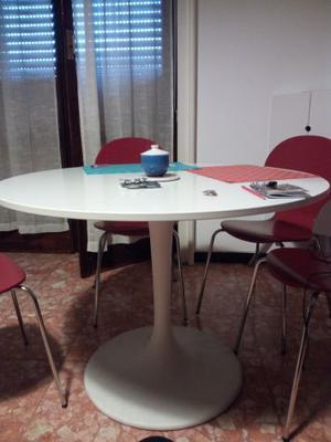 Tavolo Bianco Rotondo Ikea.Vendo Tavolo Tondo Bianco Ikea Posot Class