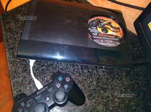 PS 3 ultraslim con 4 giochi originali
