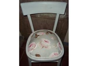 Sedia laccata shabby chic con rose