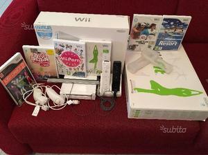 Nintendo Wii con scatola, pedana Wii Fit + giochi