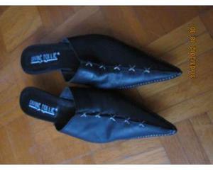 Vendo scarpe sabot in pelle di colore nero, N. 38