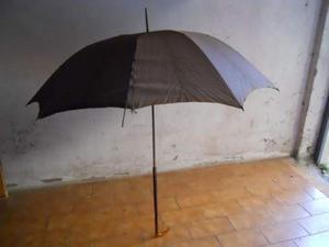 Vecchi ombrelli anni 50