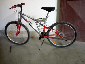 Bicicletta mountain bike uomo