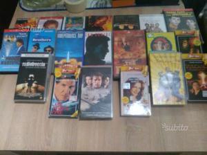 Lotto 20 VHS vari generi
