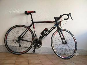 Bici da corsa usata pochissimo per statura