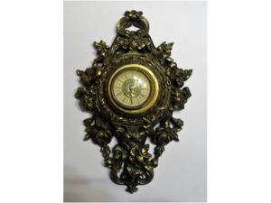 Antico orologio meccanico a parete mercedes