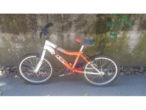 """Bicicletta Mountain bike da 20"""" da ragazzo."""