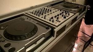 Lettore cd pioneer + behringer mixer + flight case