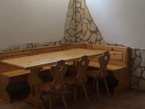 Sedie taverna posot class for Arredamento per taverna