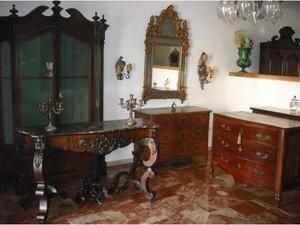 Lotto antichi mobili antiquariato del 700 e 800
