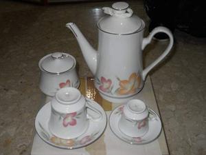 Servizio da te e caffè in porcellana nuovi