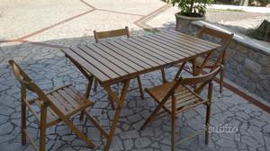 Tavolo e 4 sedie richiudibili