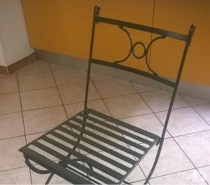tavolo tondo e sedie in ferro battuto