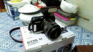Mirrorless Canon Eos M kit 500 scatti