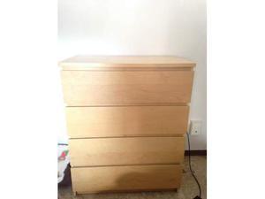 Cassettiera da ufficio con rotelle ikea micke posot class for Ikea malm scrivania