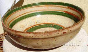 Antica ciotola di ceramica siciliana fine 700