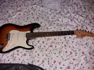 Squier strat by Fender e basso Roytek Hand made