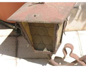 Antico lume in ferro battuto