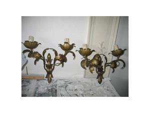 Coppia di applique in ferro battuto dorato