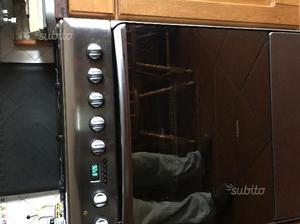 Cucina ariston 7 cuochi con forno posot class - Cucina ariston 4 fuochi ...