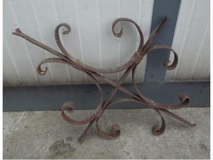 Decoro ringhiera in ferro battuto antica