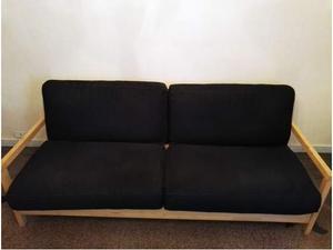 Divano letto con struttura in legno e cuscini posot class for Divano letto 4 posti