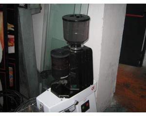 Macinacaffè con dosatore usato