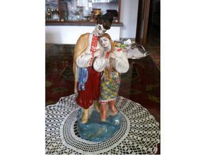 Scena galante in porcellana policroma di boemia