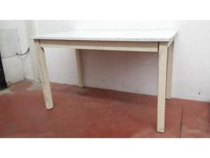 Tavolo in legno bianco usato