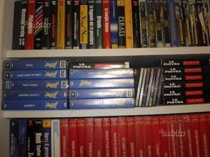Centinaia di cassette vhs di films