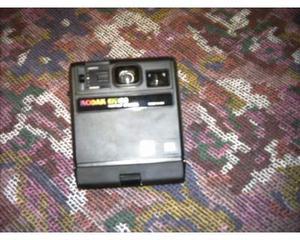 Macchina fotografica istantanea kodak anni 80
