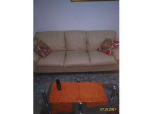 Coppia di divani in pelle