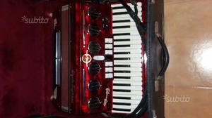 Fisarmonica Soprani 120 bassi, con amplificazione