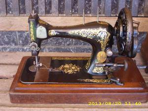 Telaio tavolo per macchina da cucire depoca posot class for Tavolo macchina da cucire singer