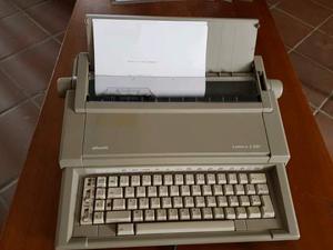 Macchina da scrivere elettrica Olivetti