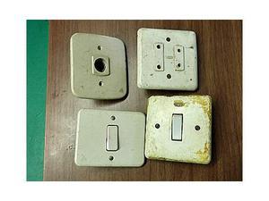 Oggetti elettrici vecchi (G-32)#kijijievinci.