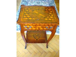Comodino tavolino d'epoca in bois de rose e tarsie pregiate