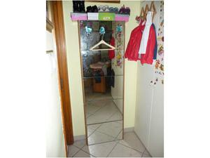 Scarpiera a muro a 5 ante colore noce posot class for Scarpiera usata